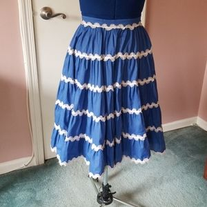 1950s western style tiered swing skirt